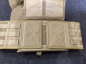 OneTigris プレートキャリアタイプベストPLPC ダミープレート&マグポーチ付き ブラウン sealsパッチ付きの写真6