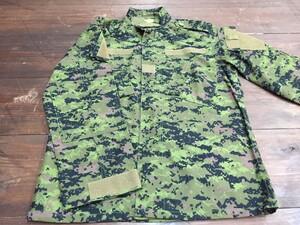 カナダ軍タイプ BDU CADPAT キャドパット XS-R 上下セットの写真3