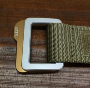 5.11 TACTICAL トラバース ダブルバックルベルト 59510 サンドストーンの写真1