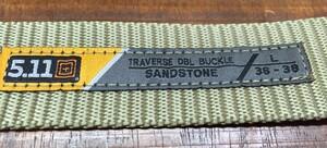 5.11 TACTICAL トラバース ダブルバックルベルト 59510 サンドストーンの写真2