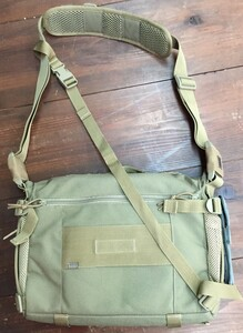 5.11 Tactical メッセンジャーバッグ Rush Delivery 56177の写真1