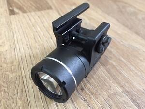 StreamLight フラッシュウエポンライト TLR-3/4シリーズ USPコンパクト ハンドガンの写真2