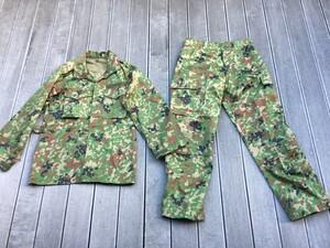 陸上自衛隊 E/C3型迷彩服上下セット サイズ4A ベルト付き ミリタリー サバゲーの写真0