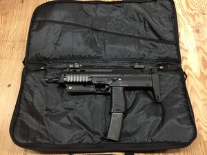東京マルイ MP7A1 ガスブローバックマシンガン ブラック ガンケース付属 ミリタリーの写真1