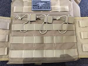 OneTigris プレートキャリアタイプベストPLPC ダミープレート&マグポーチ付き ブラウン sealsパッチ付きの写真5