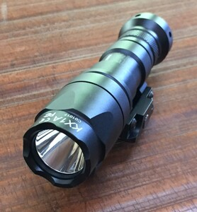 シュアファイアタイプ M300C ミニスカウトライト スイッチ付き ブラック アウトドアの写真0