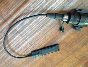 シュアファイアタイプ M300C ミニスカウトライト スイッチ付き ブラック アウトドアの写真4