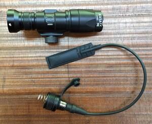 シュアファイアタイプ M300C ミニスカウトライト スイッチ付き ブラック アウトドアの写真5