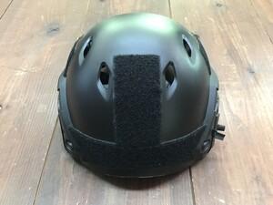 TMC OPS-CORE FASTタイプ レプリカ ヘルメット BKの写真1