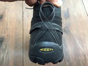 KEEN トレッキングシューズ TargheeⅡ mid USサイズ9.5 ブラック/ガーゴイルの写真5