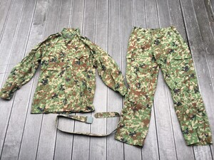 陸自迷彩2型 夏用作業服 ベルト付き サイズ表記3A ミリタリー コスプレの写真0