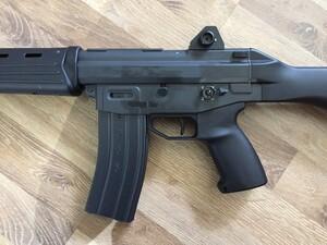 東京マルイ ガスガン 89式5.56mm小銃 ライフル 固定銃床型 予備マグ・マウントベース付きの写真6