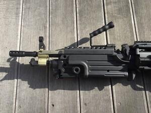 A&K 電動ガン M249 パラトルーパー 給弾難あり 分隊支援の写真4