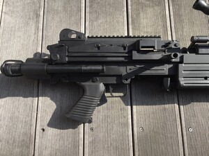 A&K 電動ガン M249 パラトルーパー 給弾難あり 分隊支援の写真7