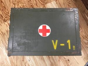 チェコ軍放出品 メディカルボックス V-1表記 医療器具運搬BOX ミリタリー コレクションの写真1
