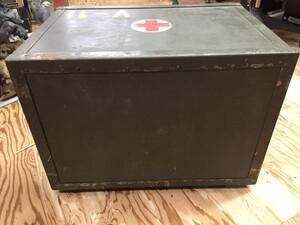 チェコ軍放出品 メディカルボックス V-1表記 医療器具運搬BOX ミリタリー コレクションの写真2