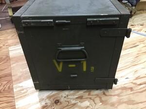 チェコ軍放出品 メディカルボックス V-1表記 医療器具運搬BOX ミリタリー コレクションの写真3