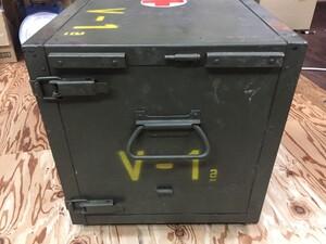 チェコ軍放出品 メディカルボックス V-1表記 医療器具運搬BOX ミリタリー コレクションの写真4