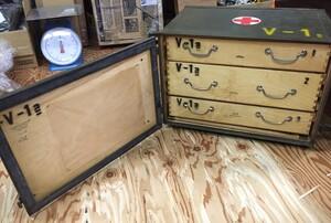 チェコ軍放出品 メディカルボックス V-1表記 医療器具運搬BOX ミリタリー コレクションの写真5